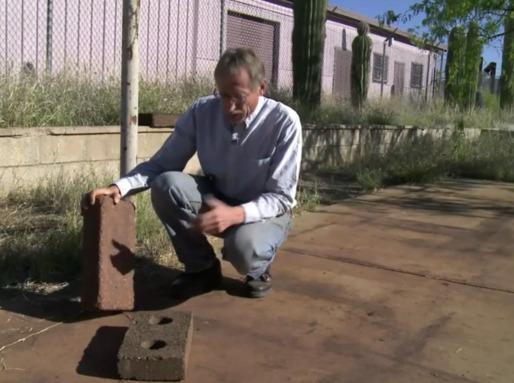 O químico ambiental David Stone criou um potencial substituto para o cimento, que necessita de muito menos energia para ser produzido, chamou-lhe Ferrock.