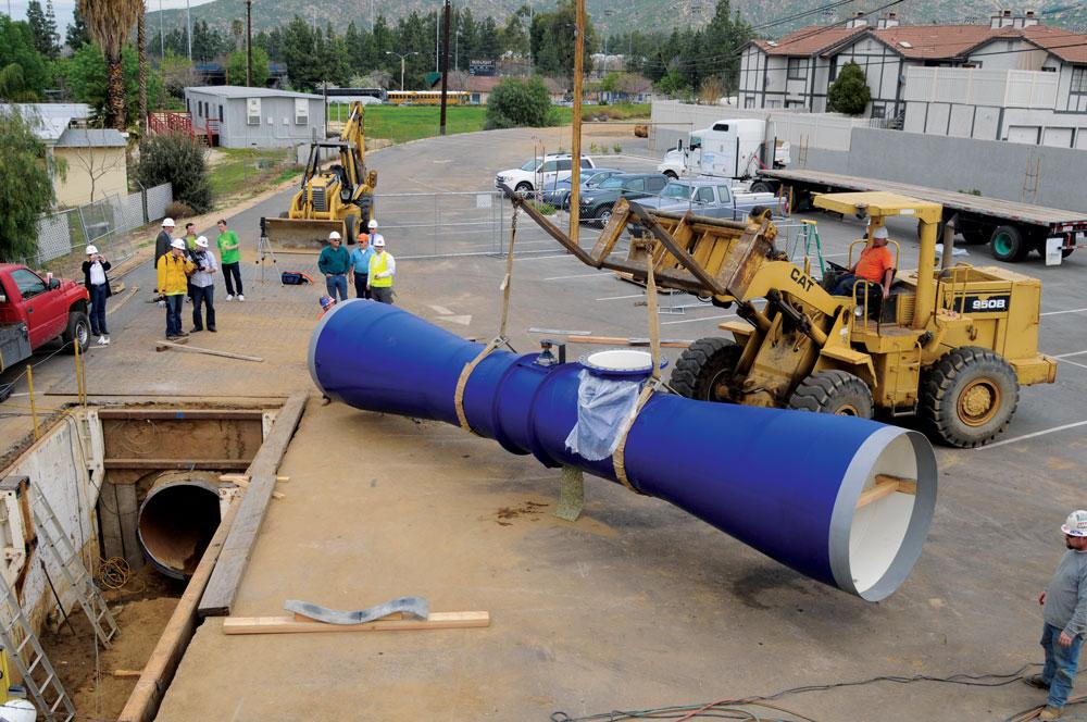 A empresa norte-americana Lucid Energy criou um sistema de produção de energia limpa alternativa aos tradicionais, que é incorporado nos canos de água, aproveitando o movimento da mesma para produzir eletricidade.