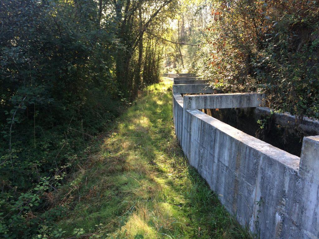 Açude e respetivo canal do Aproveitamento Hidroelétrico de Pego Negro